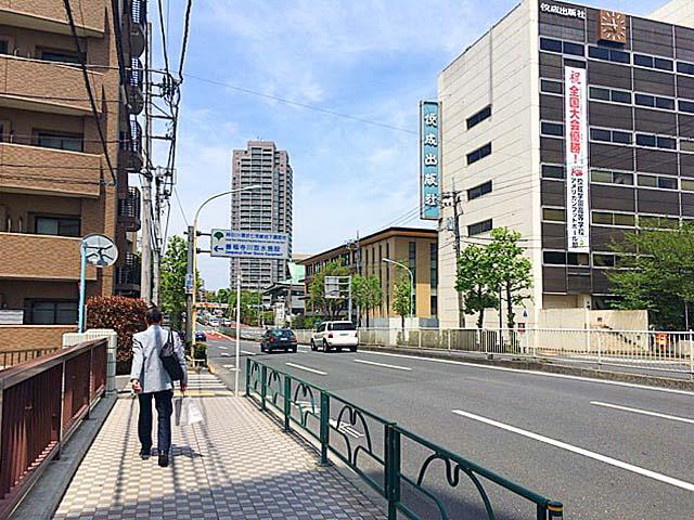 東京メトロ丸ノ内線・方南町駅1番出口から徒歩5分ほど北上した環七通り沿い