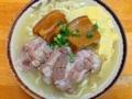[沖縄][北谷][沖縄そば][定食・食堂]軟骨ソーキ肉と三枚肉が楽しめる北谷町「浜屋」の沖縄そば