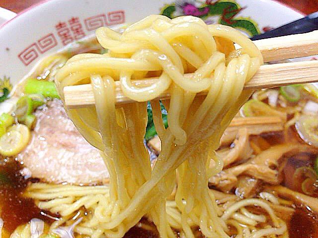 新宿御苑前の老舗日本蕎麦屋「そば処 更科」の醤油ラーメンは自家製麺