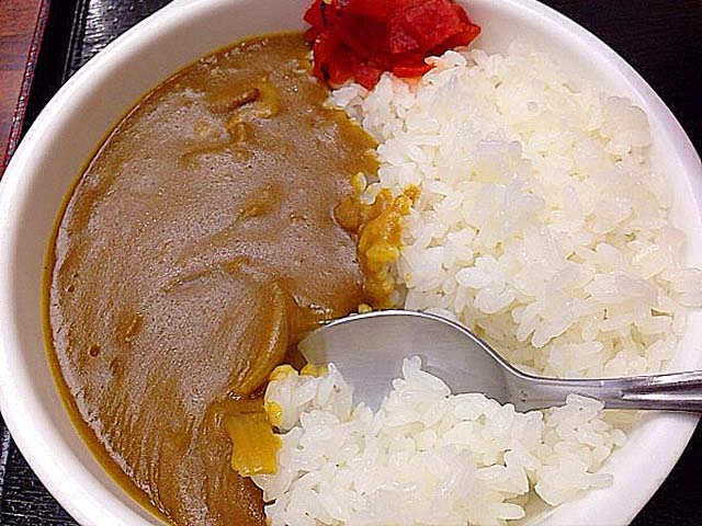 新宿御苑前の老舗日本蕎麦屋「そば処 更科」のミニカレーライス