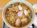 [永福町][ラーメン]一般的なラーメン店のおよそ倍量を誇る「永福町大勝軒」の中華麺