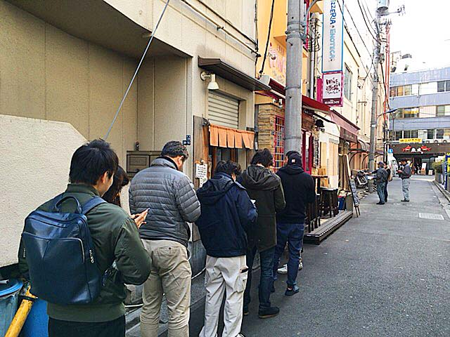 赤羽路地裏の人気ラーメン店「麺 高はし」