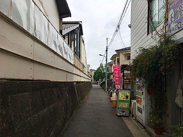 JR埼京線・十条駅南口から北に伸びる道