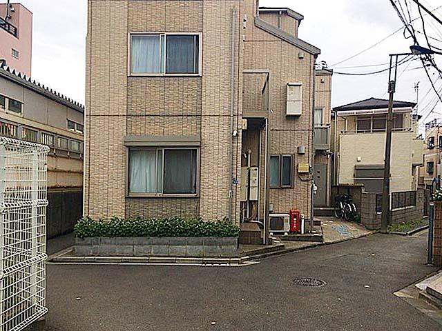JR埼京線・十条駅南口から北に伸びる道を2分ほど歩いた場所