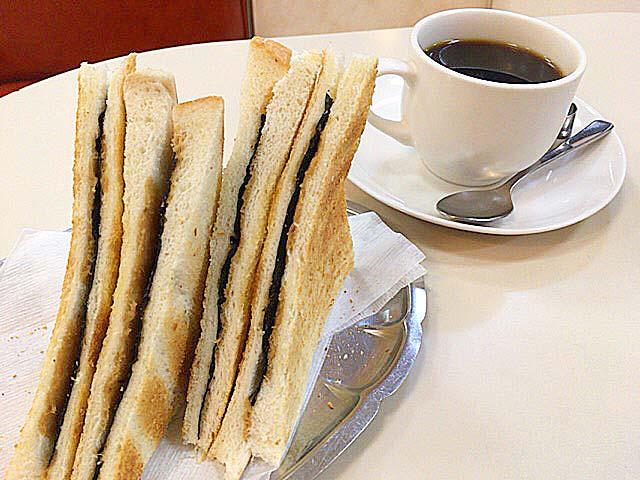 神田駅徒歩2分の老舗「珈琲専門店 エース」名物・元祖のりトースト&ブレンドコーヒーのモーニング500円