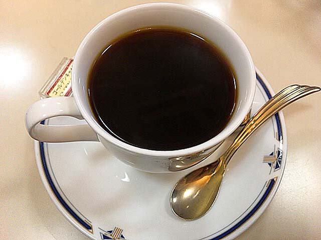 珠玉のコーヒーと呼ばれるゴールデンキャメル@神田「珈琲専門店 エース」