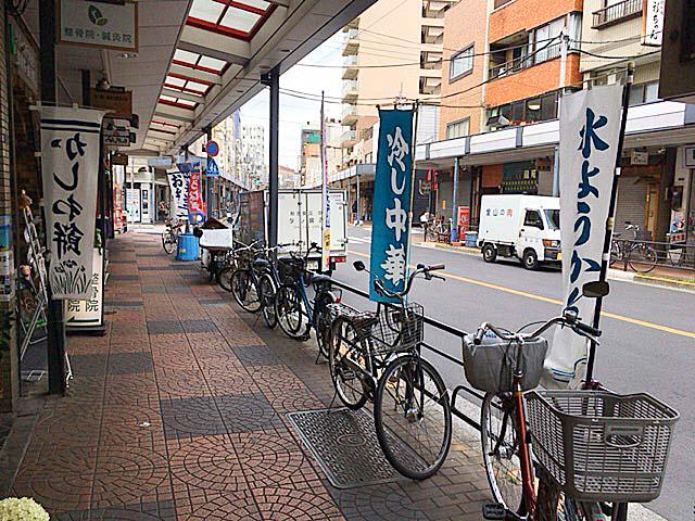 季節に応じて変わる各種のぼり旗@浅草の老舗甘味処「山口家本店」