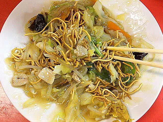 餡よりも麺の方が多いっていう現実@銀座の老舗「中華三原」の揚焼そば