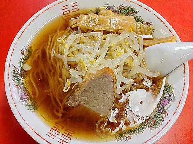 銀座で50年以上続く老舗「中華三原」の醤油ラーメン500円