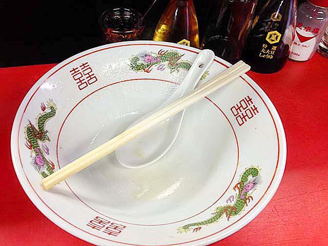 ワンタンタンメン完食!@銀座の老舗「中華三原」
