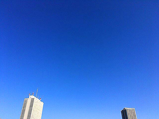 青空がおかず@西武池袋本店屋上から臨む空