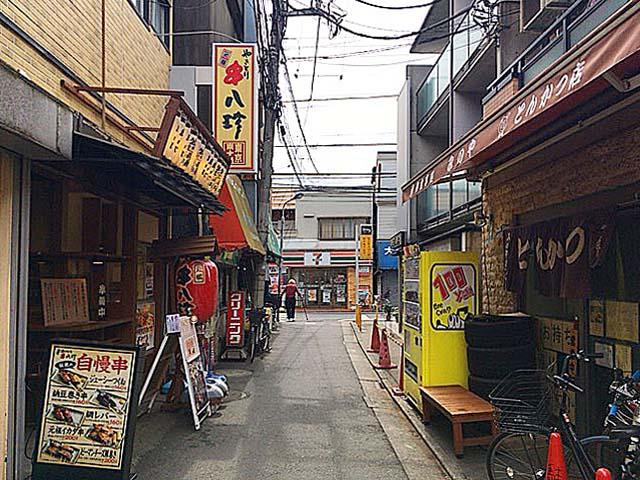 JR東十条駅から続く道