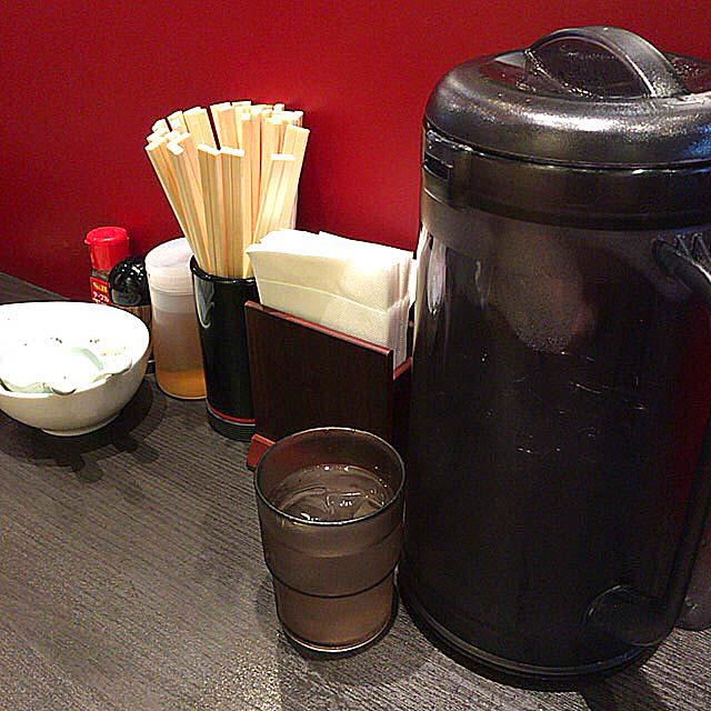 卓上調味料は胡椒とお酢@御茶ノ水(湯島)「ラーメン大至」
