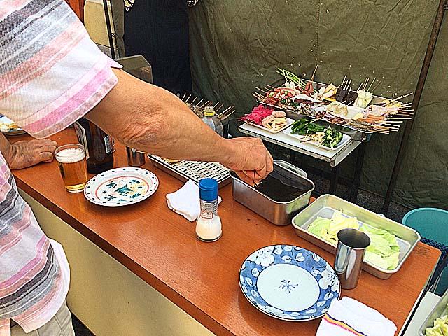 ソースの2度漬け禁止だから最初にジャブジャブ@大阪府平野「串かつ・どて焼 武田」