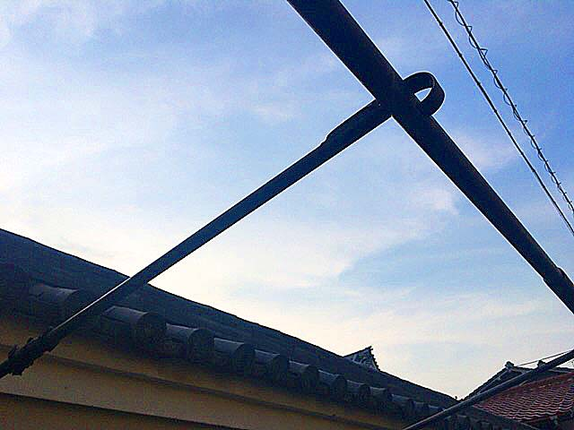 晴れた夏の日だからか、屋根なし吹き抜けなのもツボ@大阪府平野の老舗屋台「串かつ・どて焼 武田」