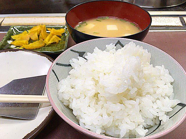 ご飯・味噌汁・たくあん@大阪府美章園「甘辛や」
