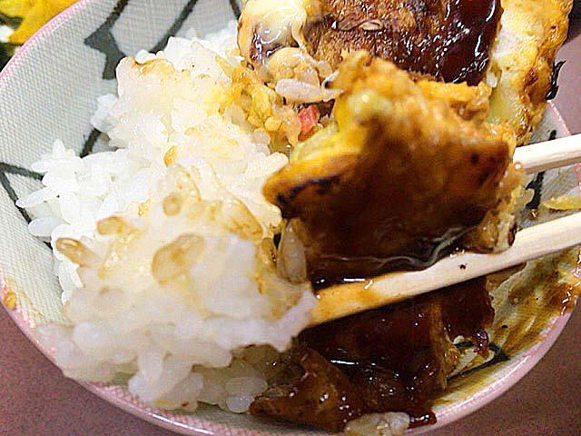 大阪府美章園で60年続く老舗「甘辛や」の豚玉お好み焼き定食