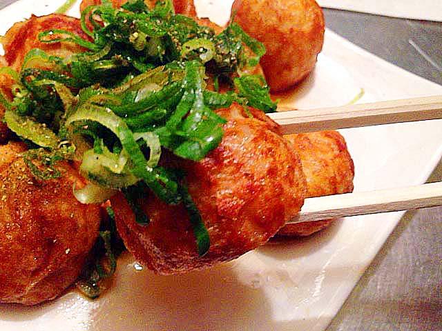 大阪中津のたこ焼き屋台「さんちゃん屋」のネギポン酢たこ焼き