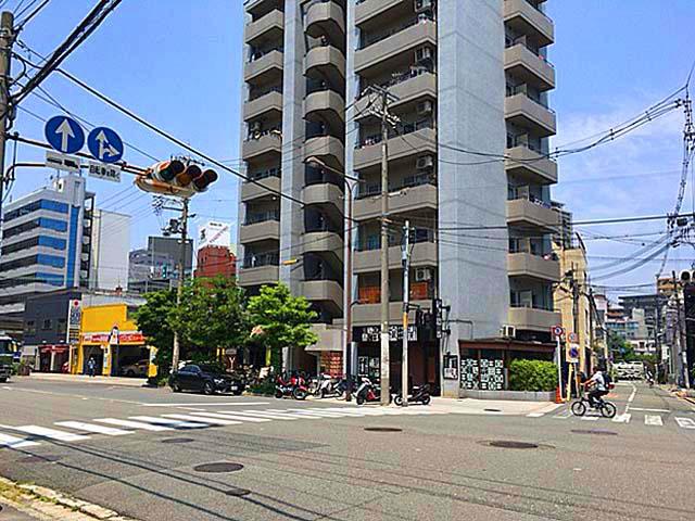 大阪府中崎町北の大通り
