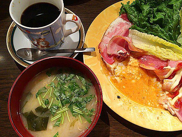 セットの温かいお味噌汁@大阪府中崎町で人気の老舗「喫茶Y」