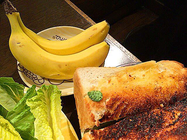 デザートでバナナも登場しリアルそんなバナナ@大阪府中崎町で人気の老舗「喫茶Y」