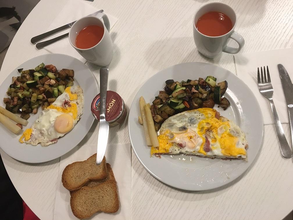 マドリードで宿泊したアパートメントホテルでの朝食②