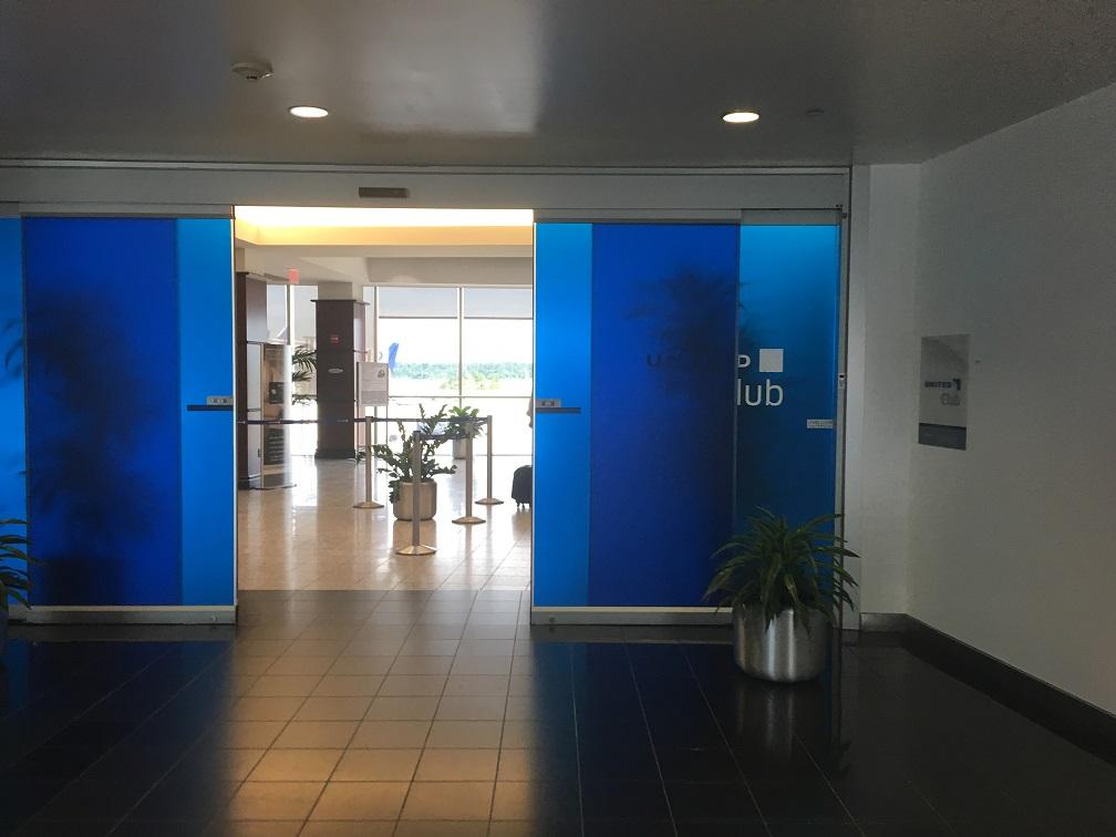 ヒューストン空港ユナイテッド航空ラウンジUnited Club @ ターミナルE エントランス