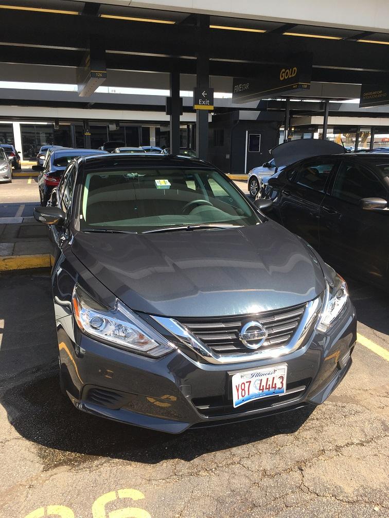 シカゴオヘア空港そばのHertzレンタカー Gold会員駐車スペース③