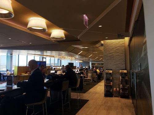 シカゴオヘア空港ターミナル2 United Club 施設①
