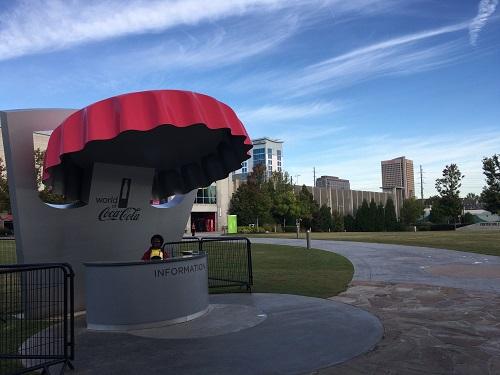 アトランタにあるワールドオブコカコーラの外観 インフォメーションカウンター