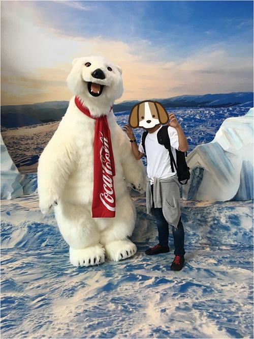 ワールドオブコカコーラ内 Polar Bearとの記念撮影