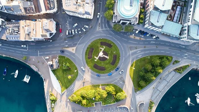 イギリスのラウンドアバウト(環状交差点)