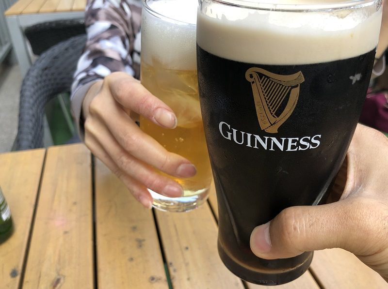 ダブリン 本場のギネスビールで乾杯