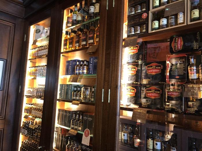 The Temple barのウィスキー棚①