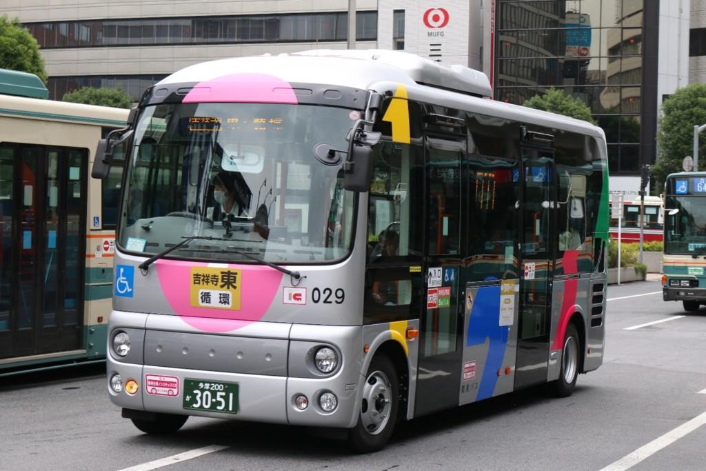ムーバスに新車導入 - AKBとバス...