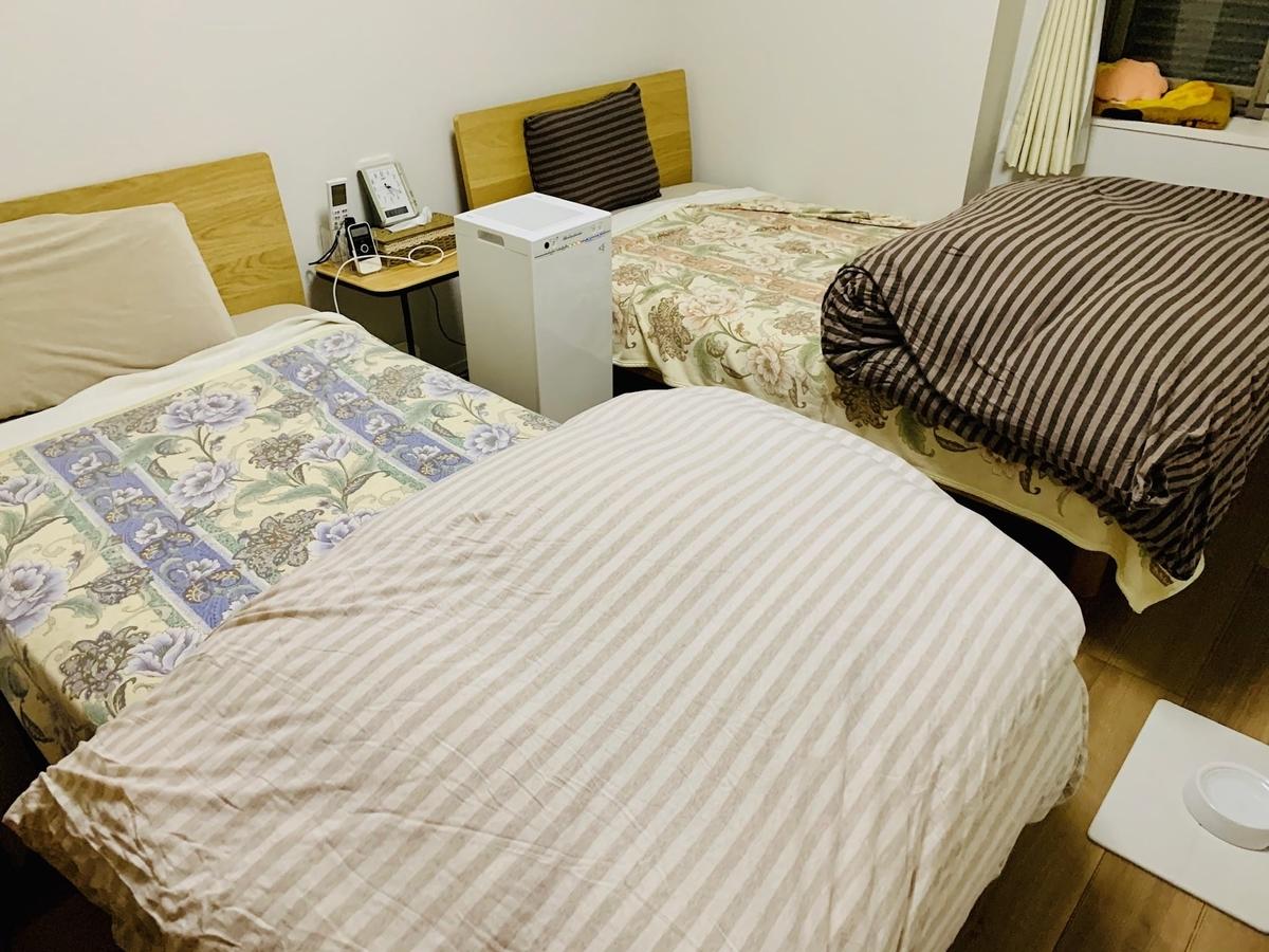 羽毛布団を出したベッド