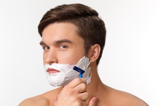 髭が臭い原因