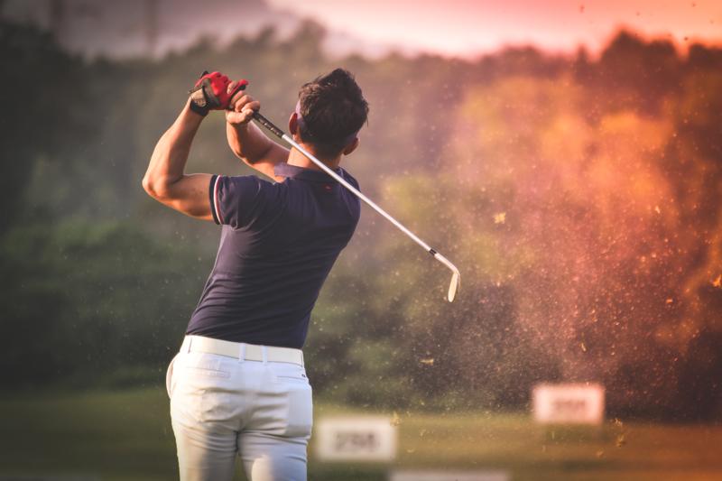 ゴルフスイング軸捻転体幹トレーニング