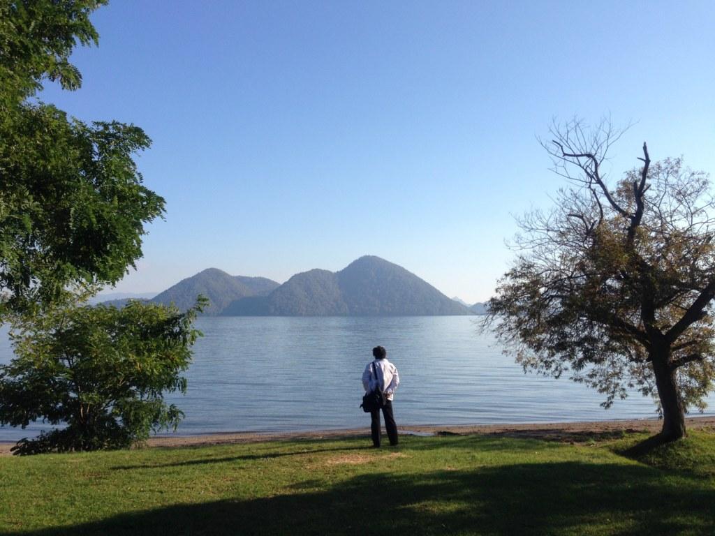 洞爺湖と中島を望む