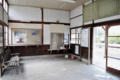 川平駅 待合室