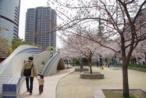 帝国ホテルの前の公園