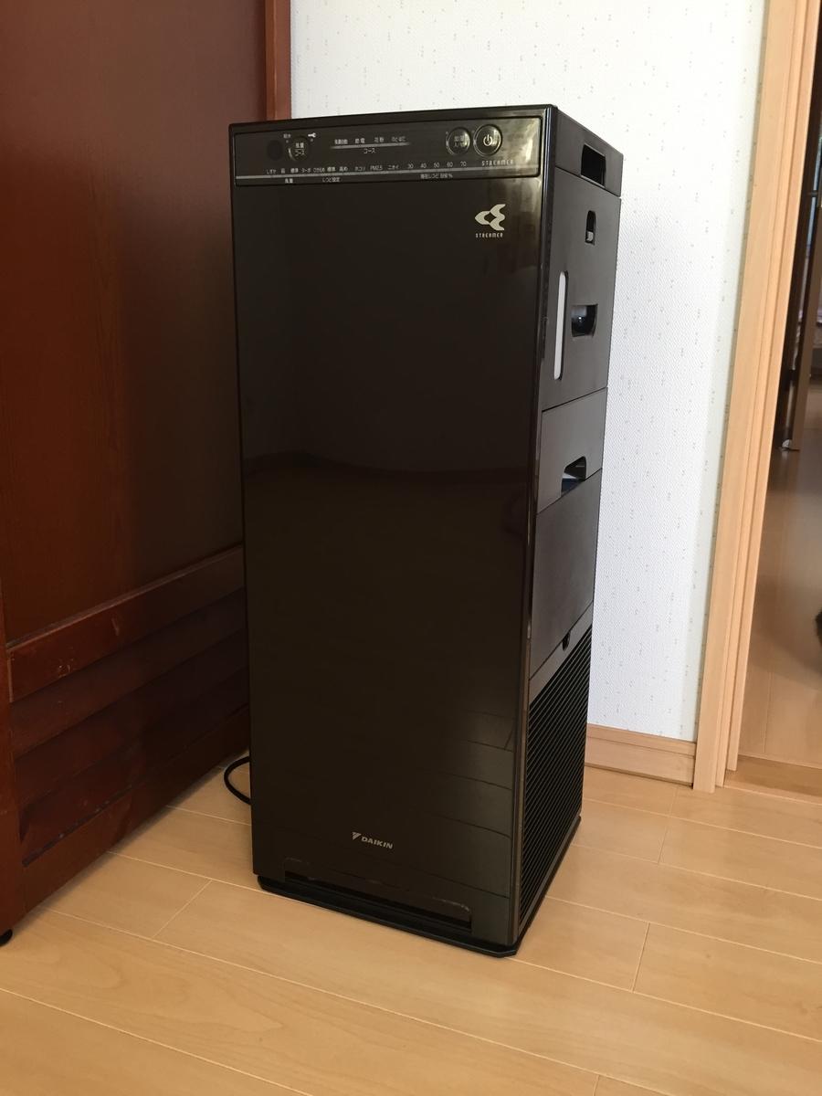 部屋にある空気清浄機