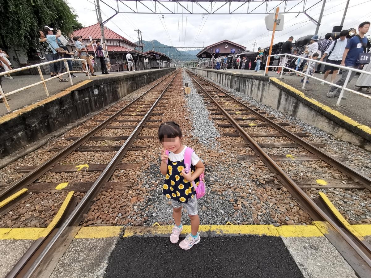 長瀞駅の渡り通路