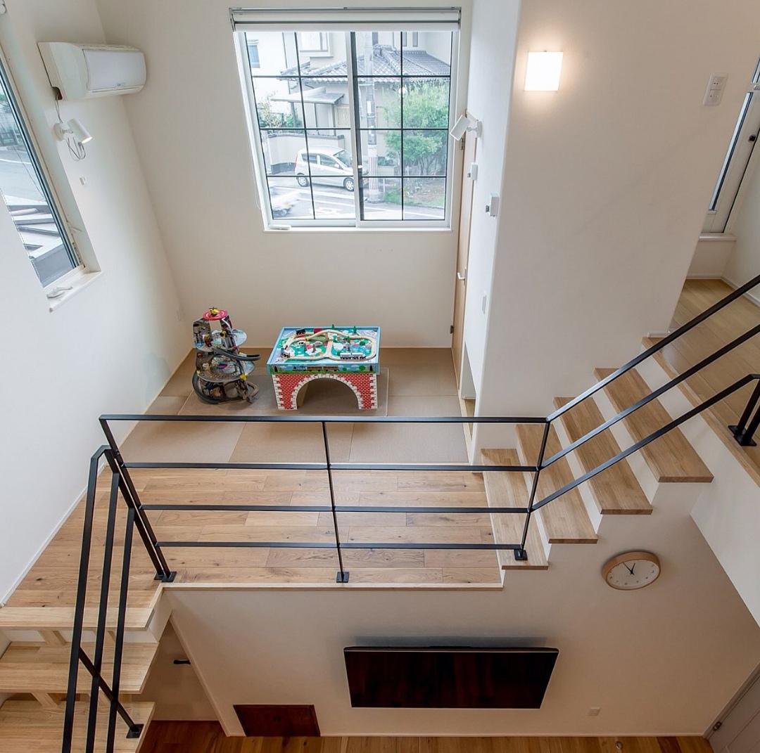 スキップフロア-階段の踊り場にある小空間