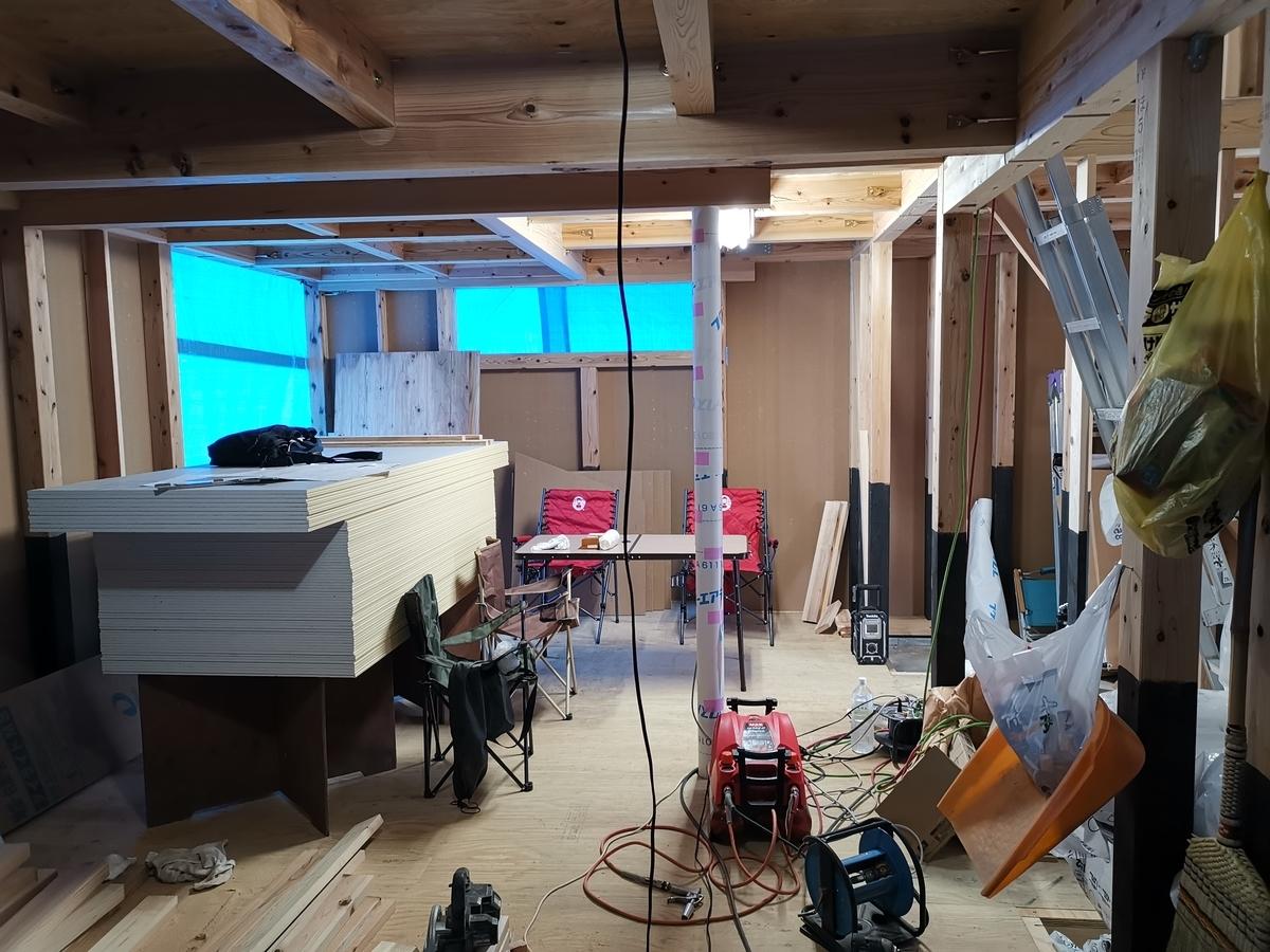 施工中の室内の様子
