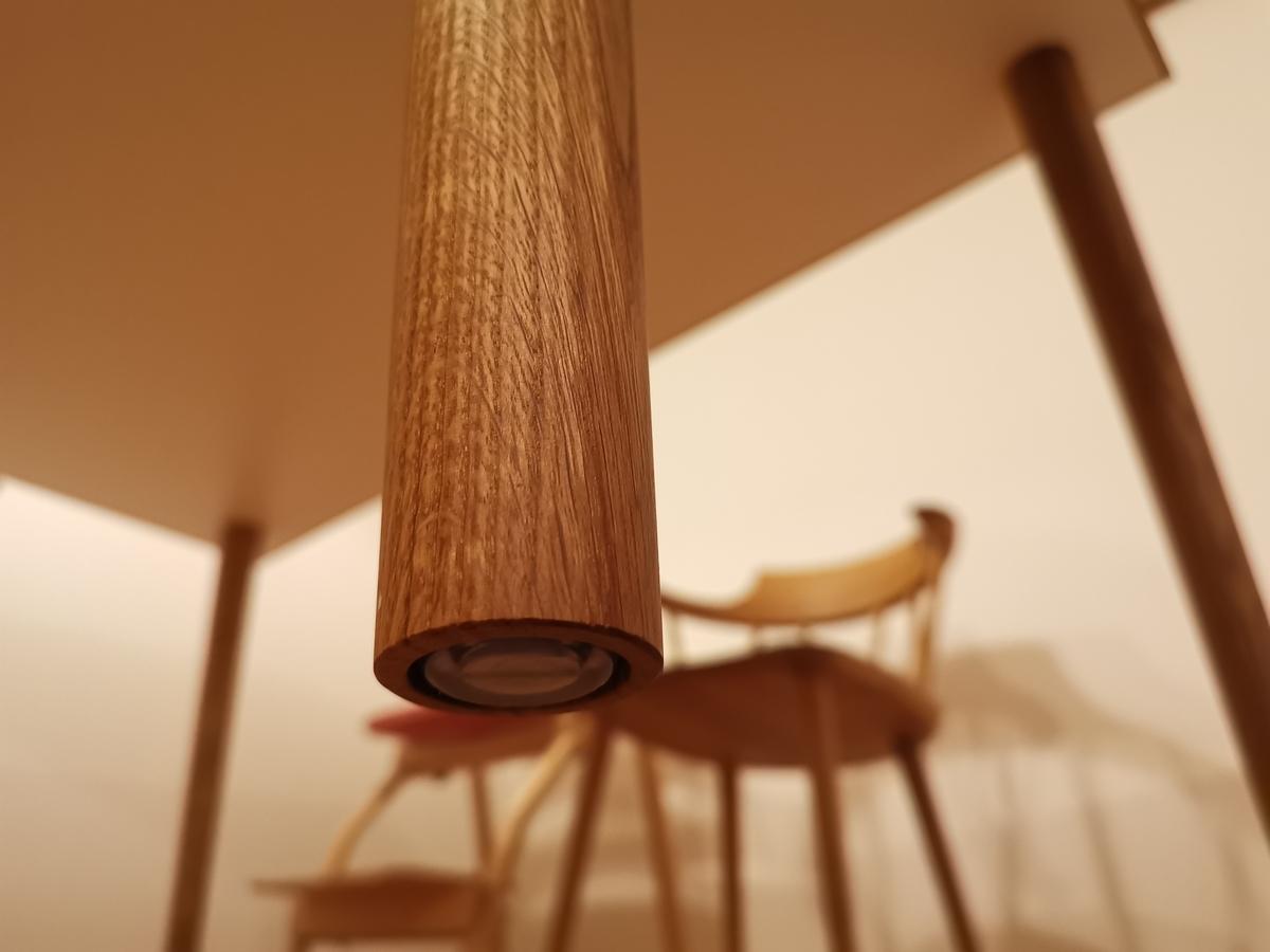 ダイニングテーブルの脚(ゴム製)
