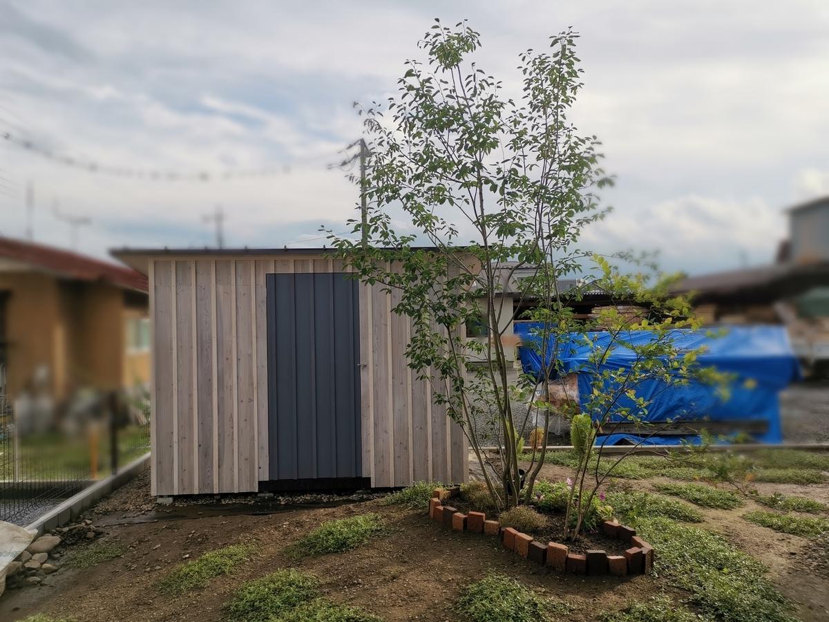 物置小屋の塗装