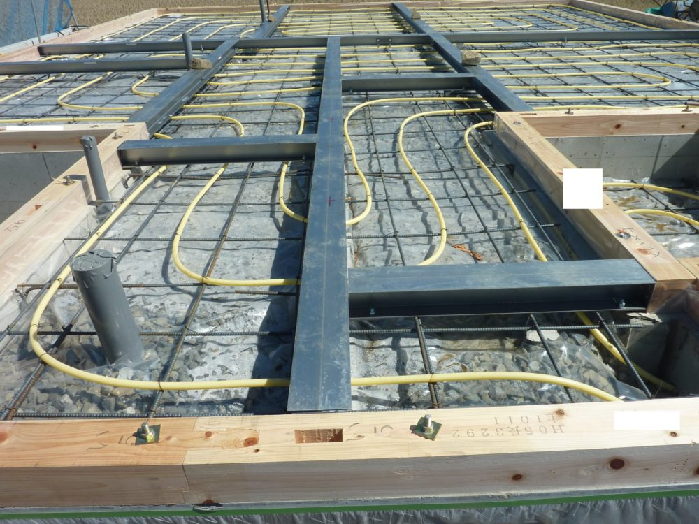 ユニバーサルホーム 床暖房 施工写真