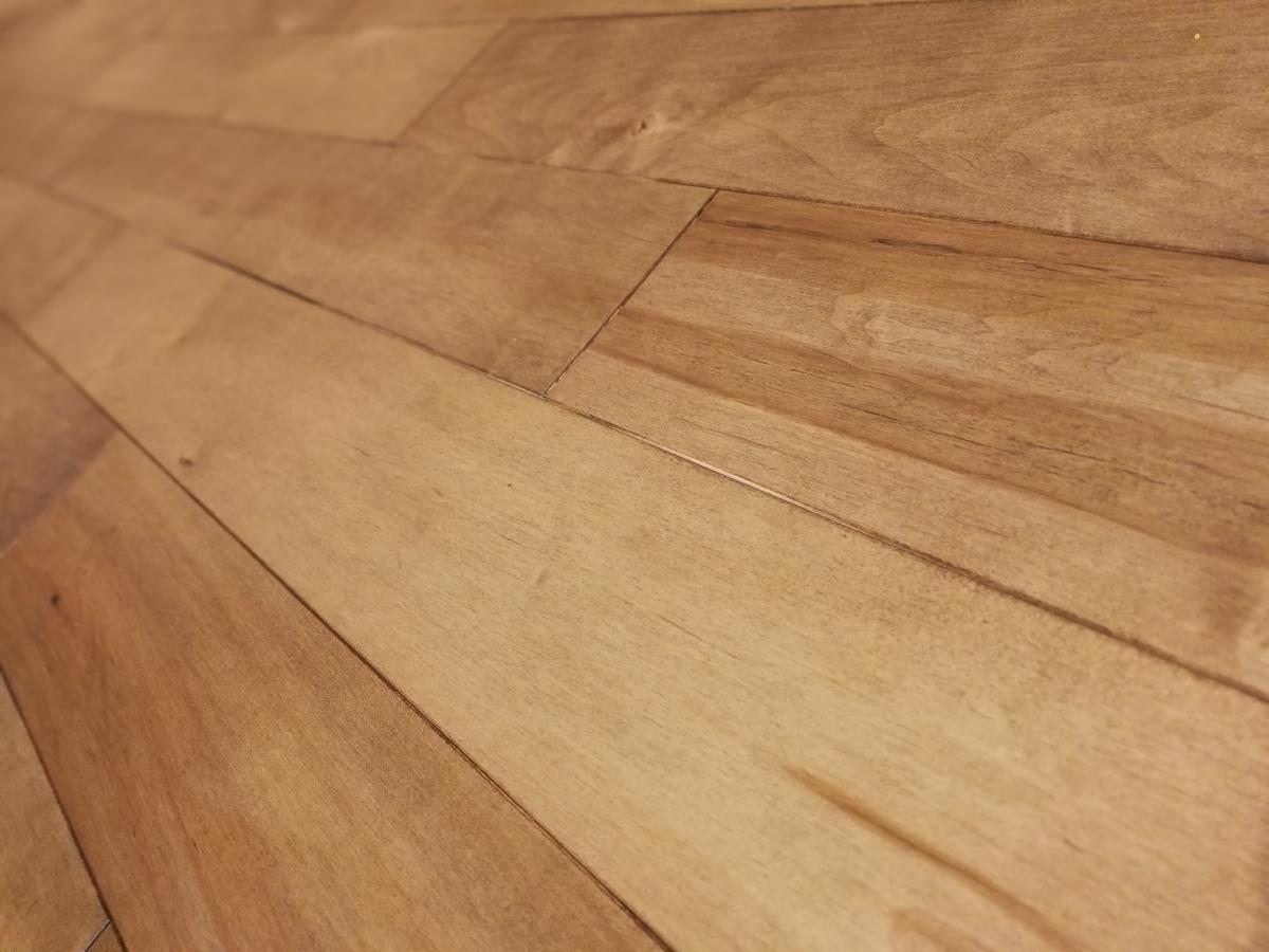 ユニバーサルホームの無垢床