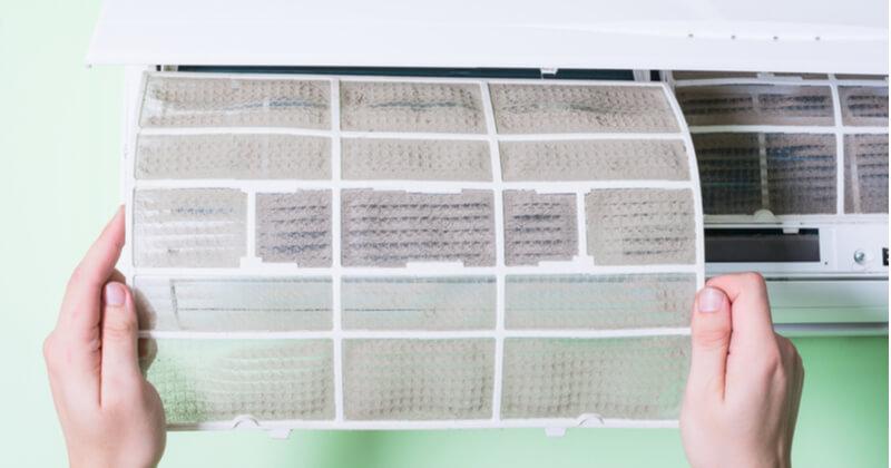 エアコンのフィルター掃除